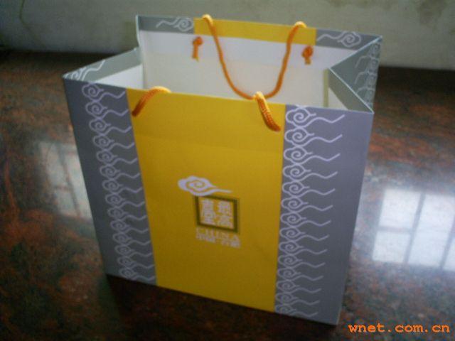 礼品纸袋 印刷白卡纸袋 定制广告礼品手挽 生产厂 阿里巴巴