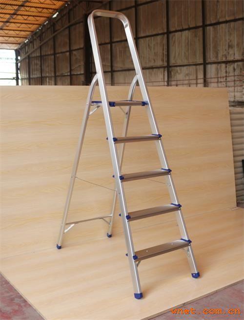 轻型扶手梯